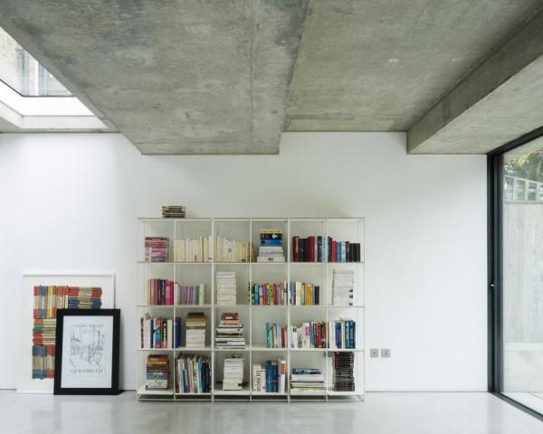 Living area, Image Courtesy © Ben Blossom