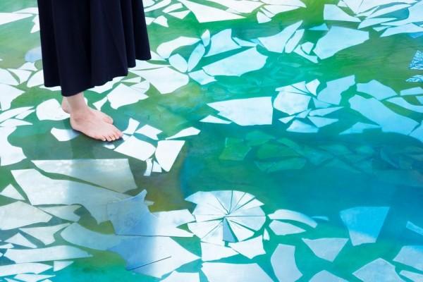 detail of a transparent resin, Image Courtesy © Takumi Ota