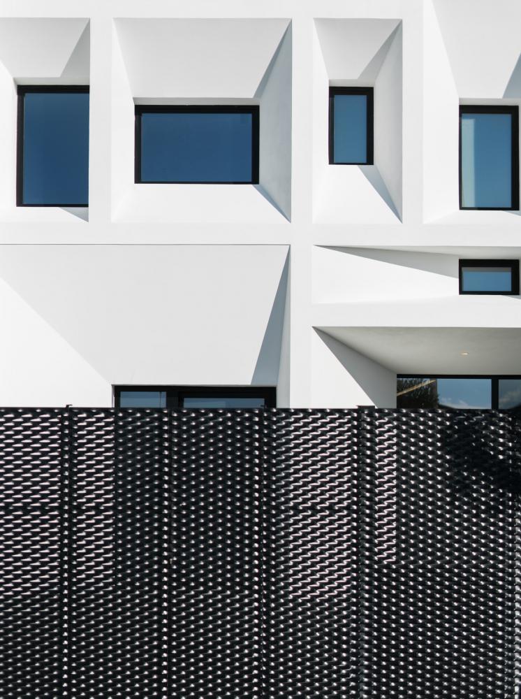 Brise Soleil House In Valencia Spain By Ruben Muedra