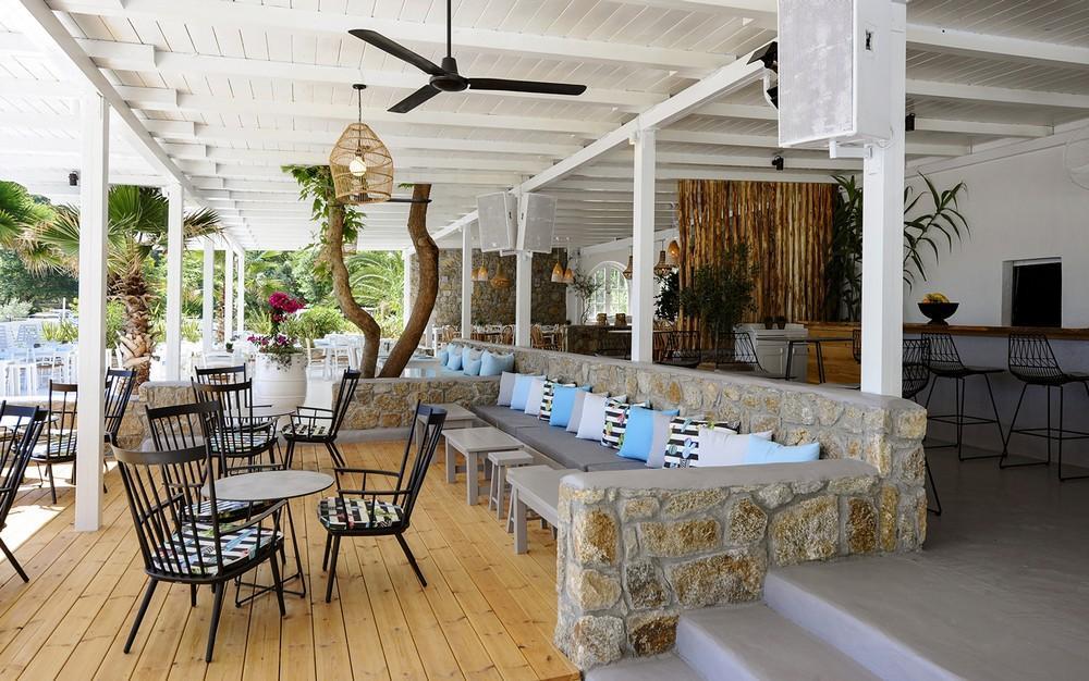 Manassu Beach Bar & Restaurant in Halkidiki, Greece by