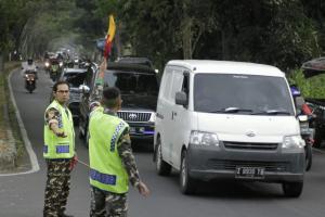 Demi Mudik Lancar, Jelang Lebaran Banser Kota Tasik Sibuk Atur Jalan