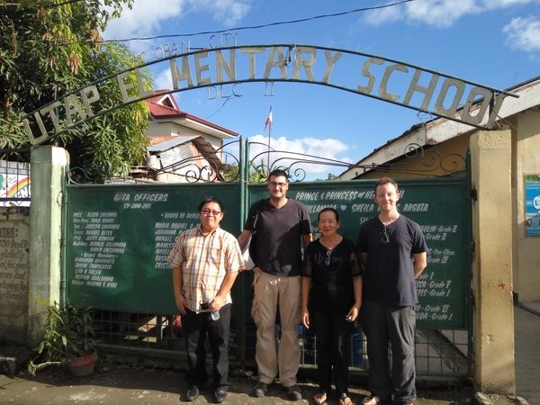Visita a la escuela UTAP de Tacloban. Foto: Alfonso Lora