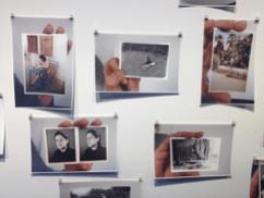 Beispiel einer Meta-Fotografie / Aus der Photoausstellung von Hans-Peter Feldman, die gleichzeitig im Amerika Haus zu sehen ist. (C/O Berlin, Hans-Peter Feldmann, Fotografieausstellung)