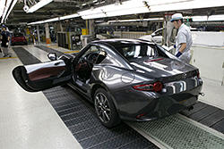 The first mass-produced MX-5 RF (European specifications)