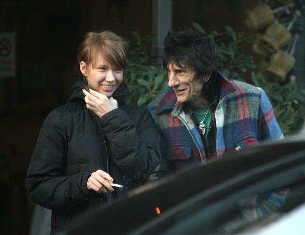 https://i1.wp.com/www2.pictures.fp.zimbio.com/Ronnie+Wood+Ekaterina+Ivanova+Out+London+5-ufJVbw1z7l.jpg