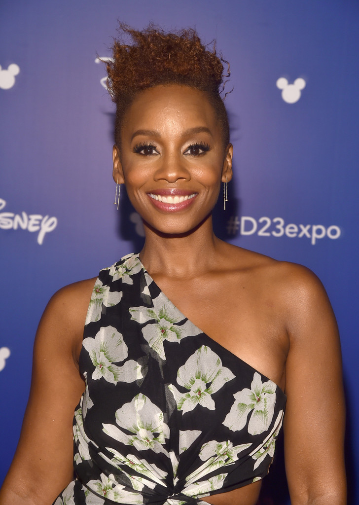 Anika Noni Rose Messy Cut Short Hairstyles Lookbook