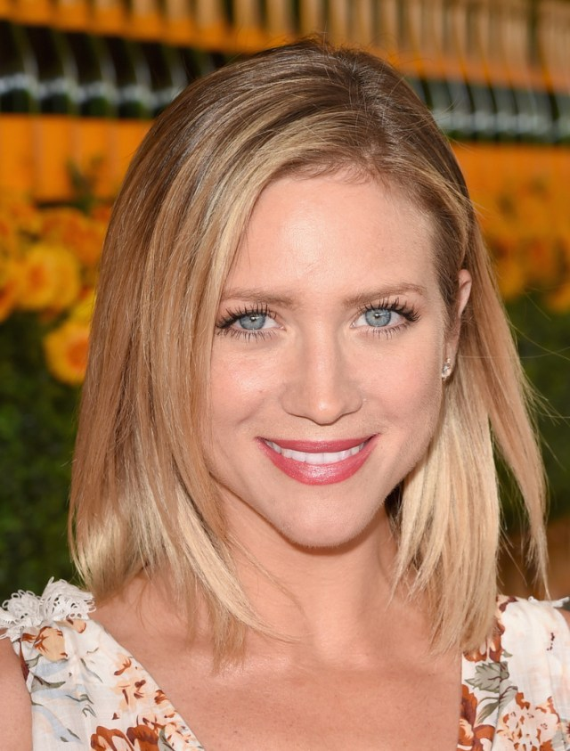 brittany snow mid-length bob - brittany snow shoulder length