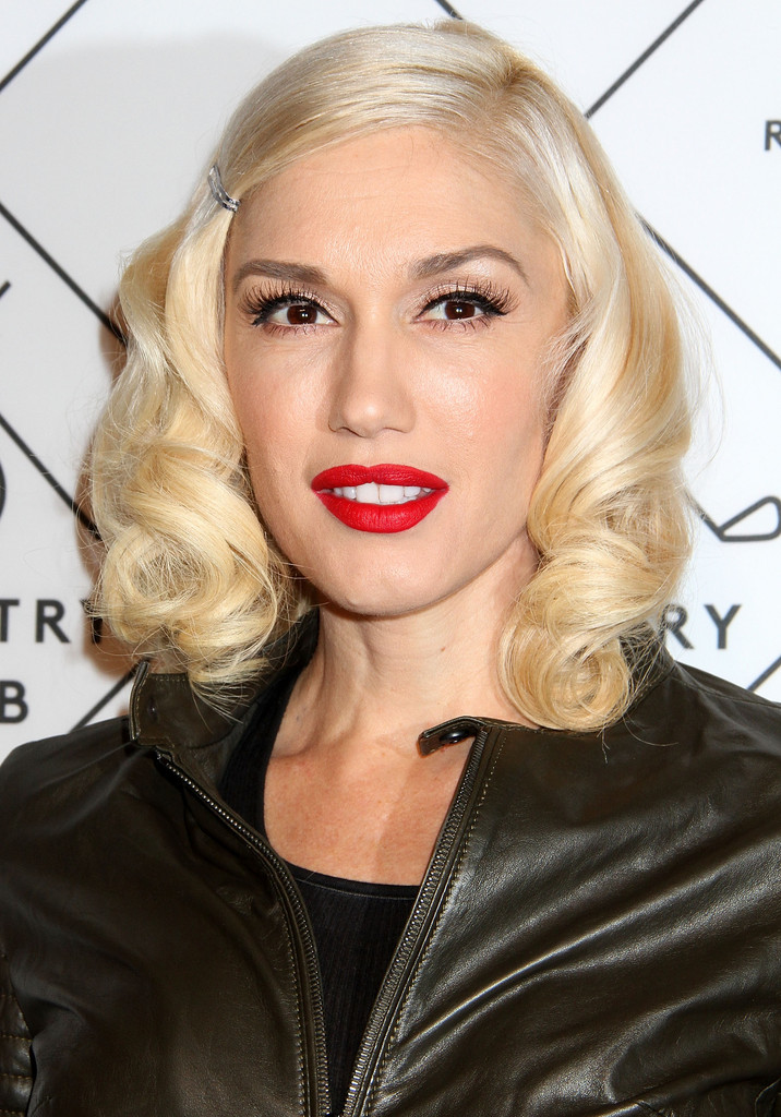 Gwen Stefani Red Lipstick Beauty Lookbook StyleBistro