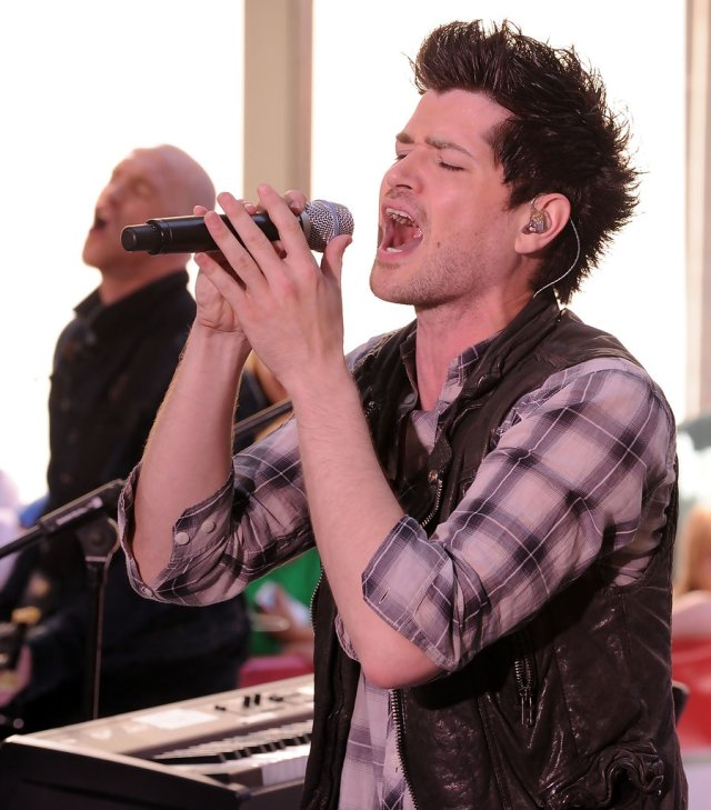 more pics of danny o'donoghue spiked hair (26 of 31) - short