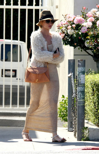 Latest Pictures Of Rosie Huntington Whiteley In A See Through Dress Rosie Huntington Whiteley