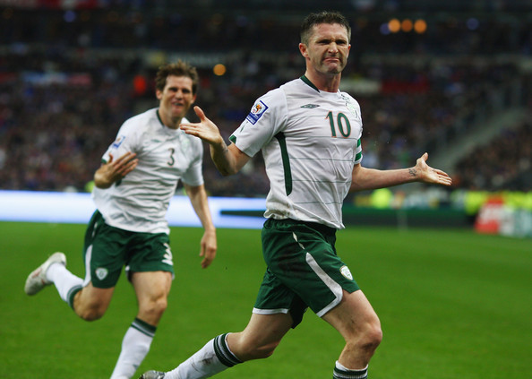 Robbie Keane of Ireland celebrates scoring the opening goal during the France v Republic of Ireland FIFA 2010 World Cup Qualifying Play Off second leg match at the Stade de France on November 18, 2009 in Paris, France.