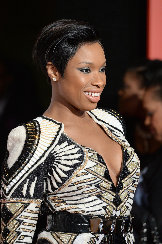 https://i1.wp.com/www2.pictures.zimbio.com/gi/Jennifer+Hudson+Arrivals+Soul+Train+Awards+ut95M559Qmox.jpg?resize=681%2C1024