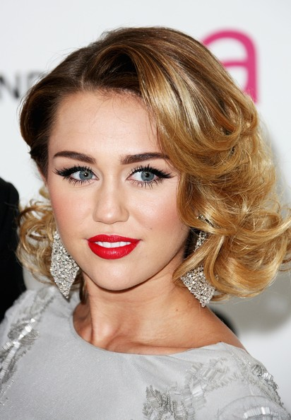 Miley Cyrus - The Annual Elton John Oscar Viewing Party