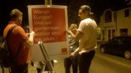 Plakatieren bei Nacht