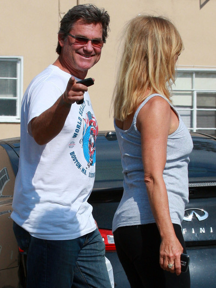 Actor Kurt Russell and Actress Goldie Hawn spotteed out in Brentwood picking up some food from a restaurant.