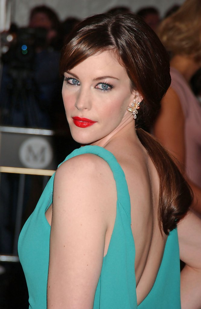 Liv Tyler Hairstyles For Oval Faces StyleBistro