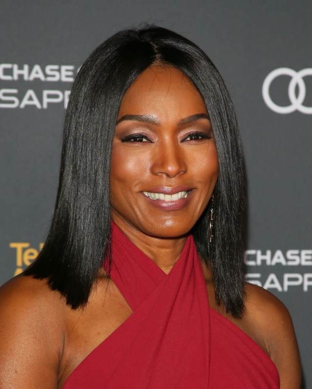 angela bassett medium straight cut - shoulder length