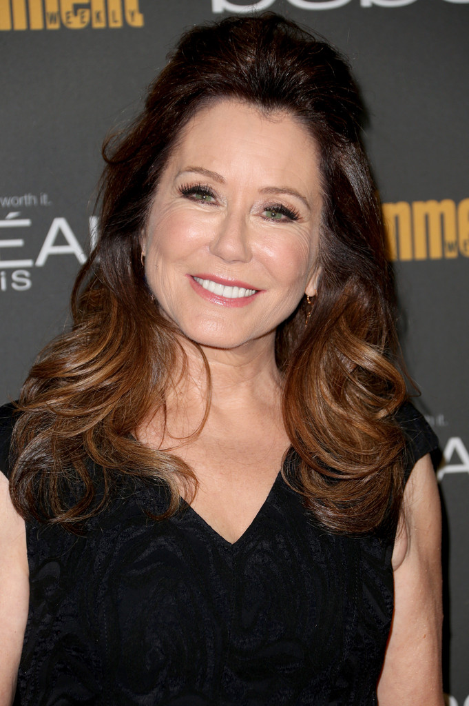 Mary McDonnell Half Up Half Down Mary McDonnell Looks