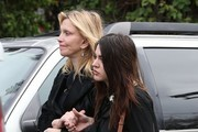 private memorial service held in beverly hills for carrie - 180×120