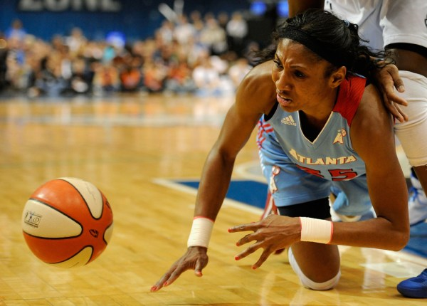 Angel McCoughtry Photos Photos - Atlanta Dream v Minnesota ...