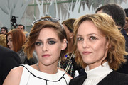 (L-R) Kristen Stewart and Vanessa Paradis attend the Chanel show as part of Paris Fashion Week Haute Couture Spring/Summer 2015 on January 27, 2015 in Paris, France.