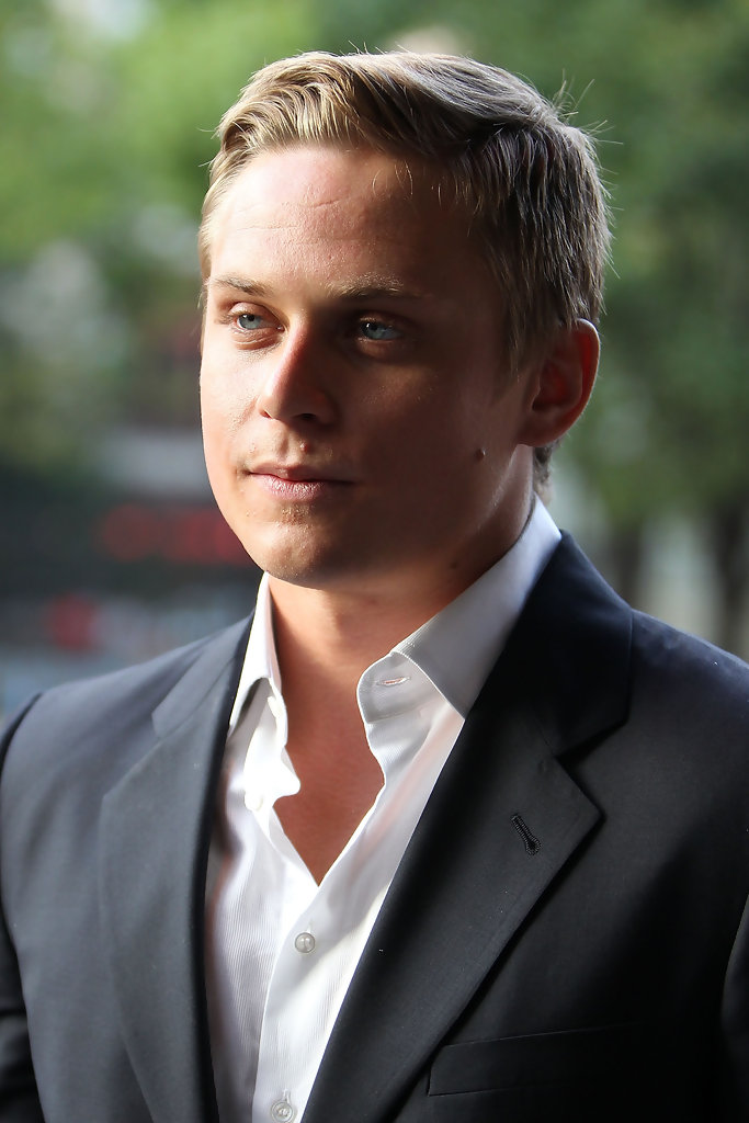 Billy Magnussen In The Cinema Society Amp 2 X Ist Screening