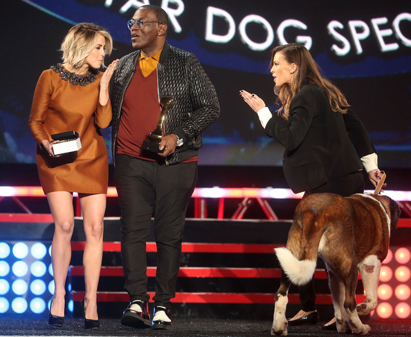 Julianne Hough in Fox's Cause For Paws: An All-Star Dog ...
