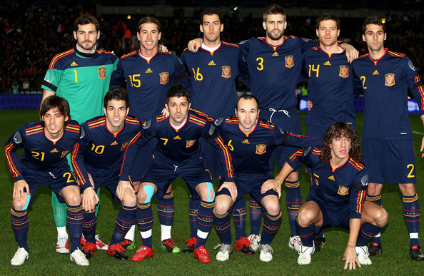 Spain players pose for a team photo before the France v Spain International Friendly match at the Stade de France on March 3, 2010 in Paris, France.