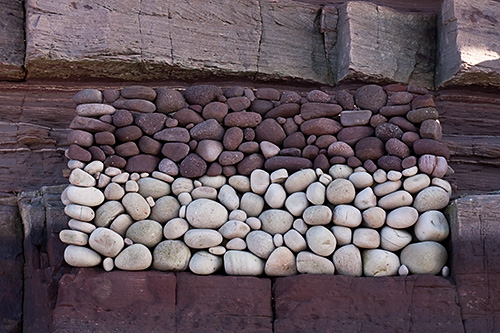 2 Tone Cliff Pebble Stack