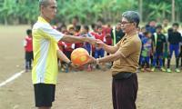 Seru, Kick off Ansor Cup Bersama Karang Taruna Mugarsari Sambut HUT RI