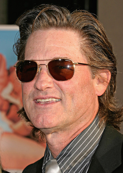 Kurt Russell Actor Kurt Russell attends the 'Raising Helen' premiere on May 26, 2004 at El Capitan Theatre, in Hollywood, California.