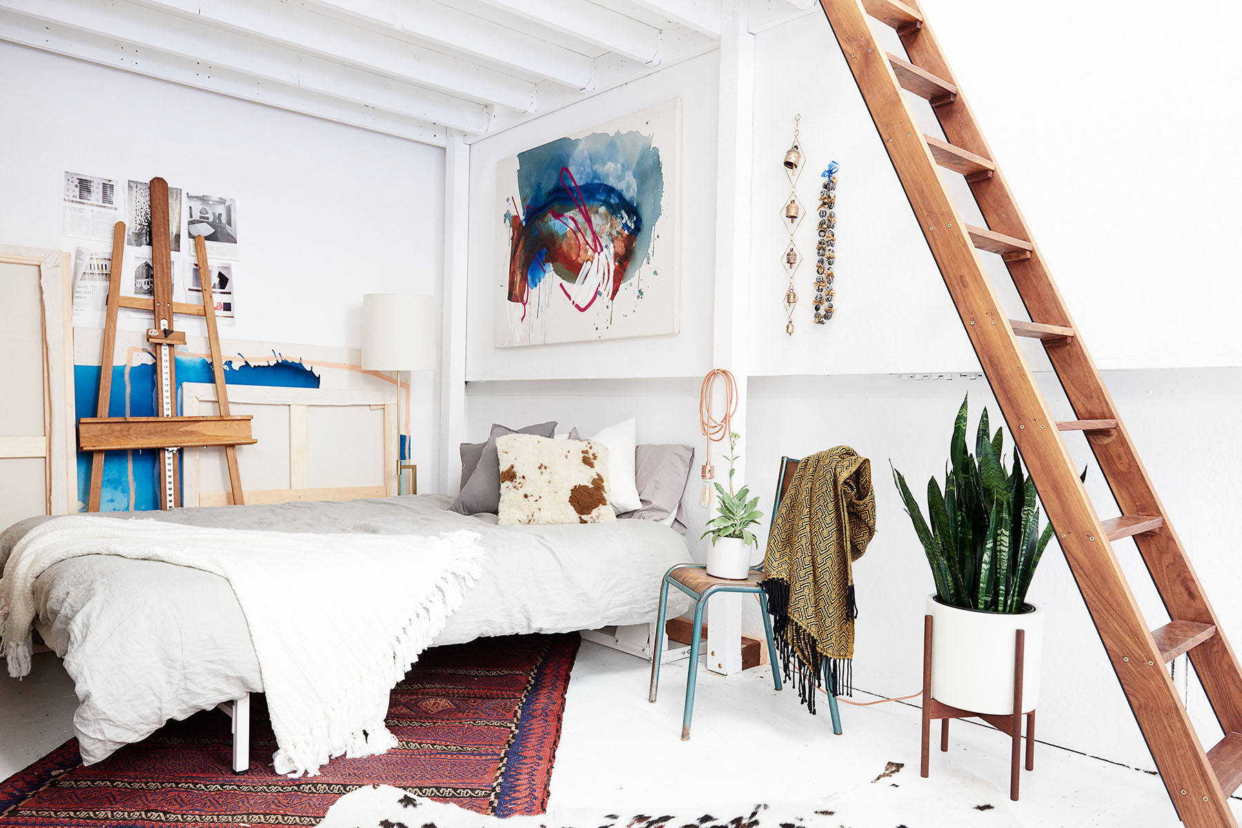 Space Saving Beds That Are Also Comfortable Small Spaces Lonny