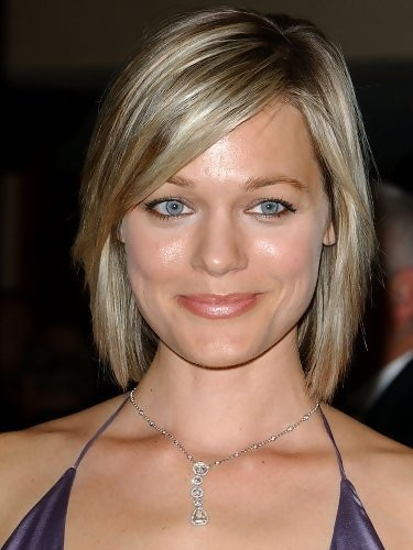 Crystal Allen Side Parted Straight Cut Short Hairstyles