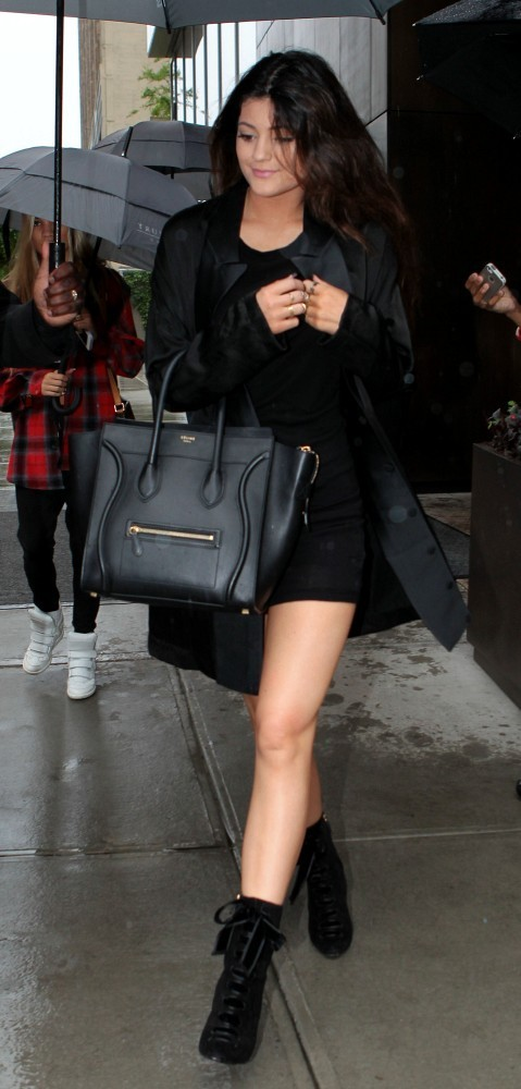 Kylie Jenner Leather Tote Tote Bags Lookbook StyleBistro