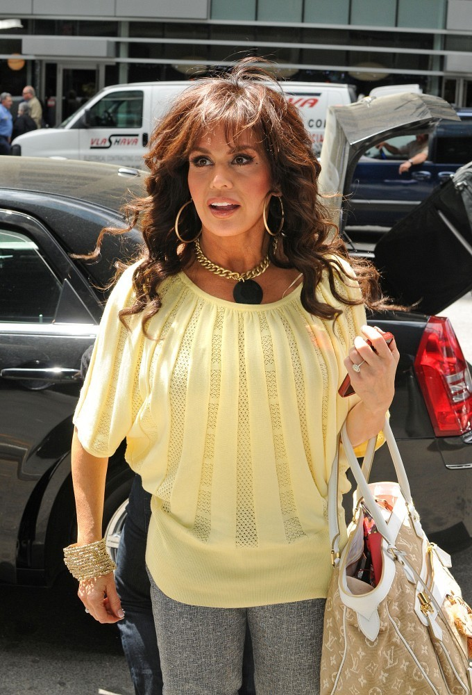 Marie Osmond Gold Statement Necklace Marie Osmond Looks