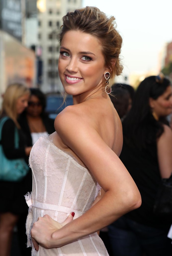 Amber Heard Dangling Gemstone Earrings Amber Heard Looks
