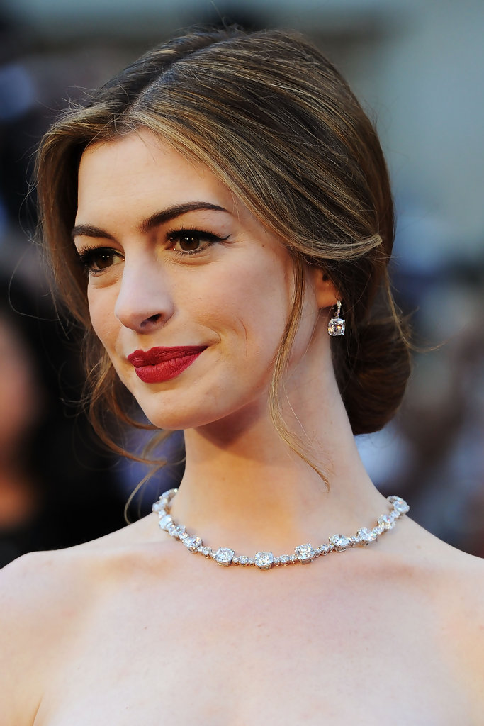 More Pics Of Anne Hathaway Loose Bun 105 Of 120 Updos