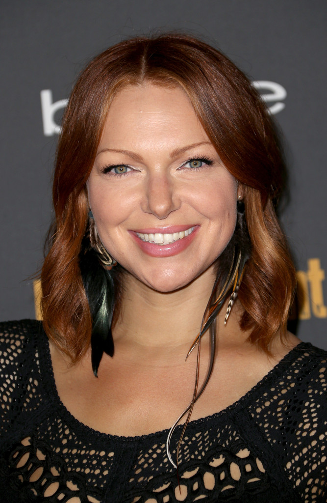Laura Prepon Medium Wavy Cut Shoulder Length Hairstyles