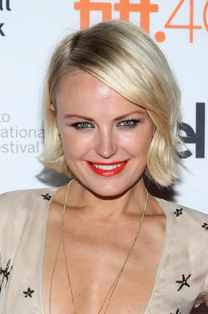 Malin Akerman Short Side Part Short Hairstyles Lookbook