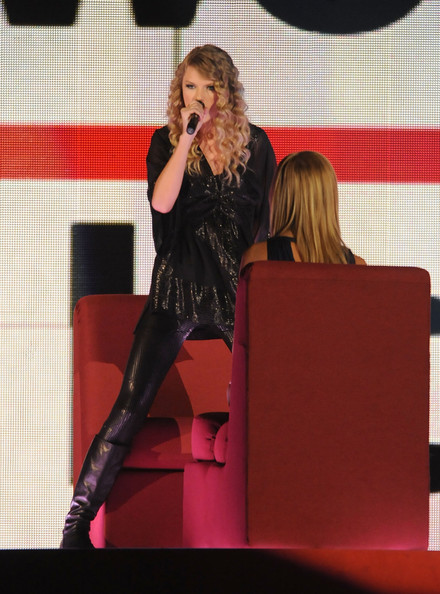 More Pics Of Taylor Swift Knee High Boots 35 Of 55
