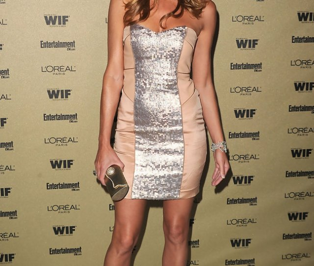 Tricia Helfer Accessorized Her Dress With Nude Patent Pumps For The Entertainment Weekly Party
