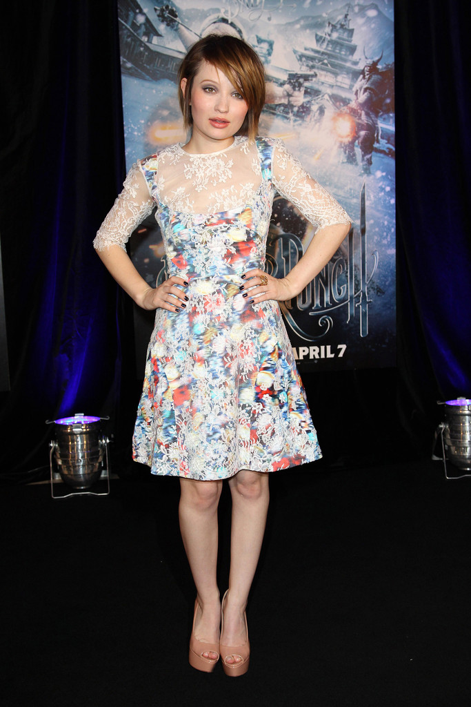 Emily Browning Shoes Looks StyleBistro