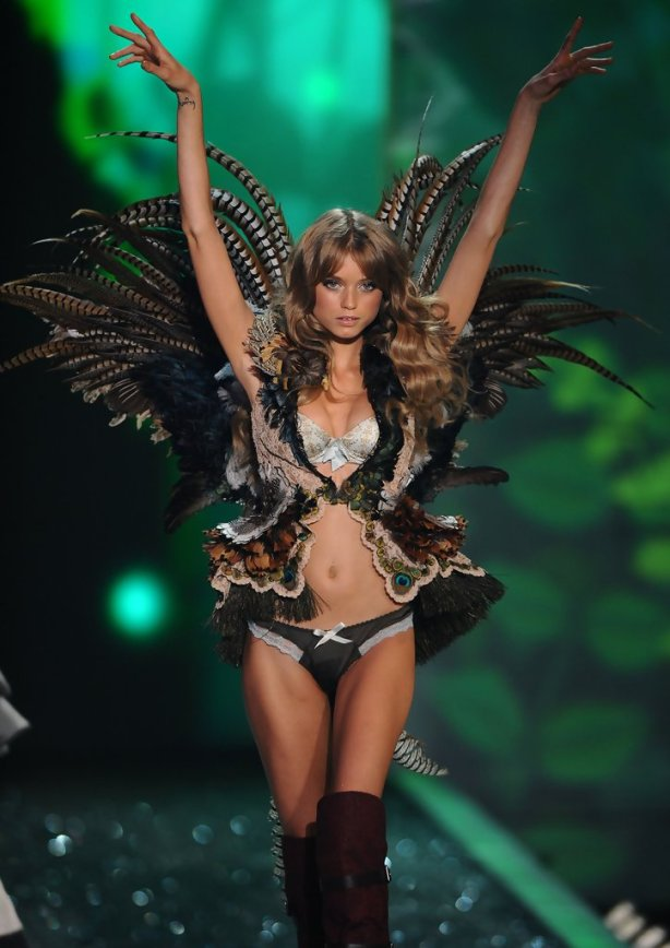 Abbey Lee walking the catwalk for Victoria's Secret. Credit: zimbio.com