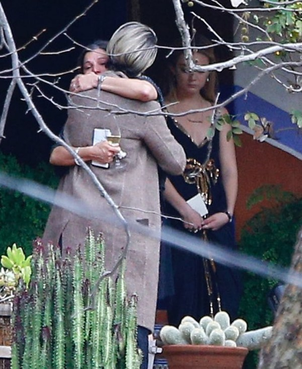 private memorial service held in beverly hills for carrie - HD838×1024