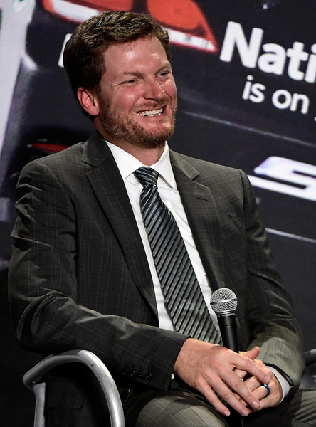 Dale Earnhardt Jr. Announces His Retirement After the 2017 NASCAR Season
