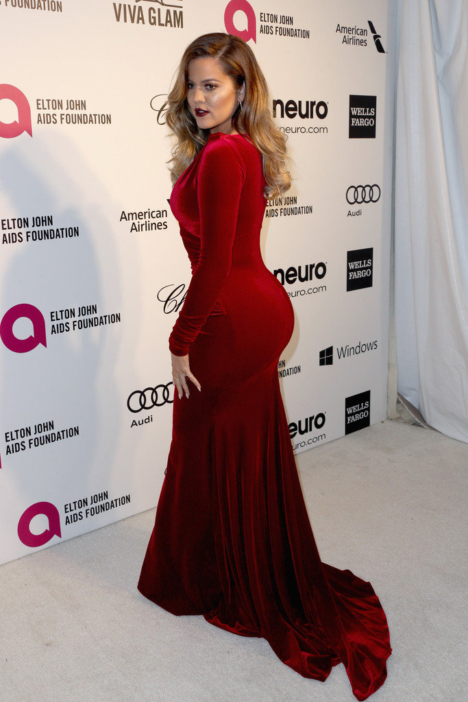 Khloe Kardashian looked sultry in a burgundy velvet dress