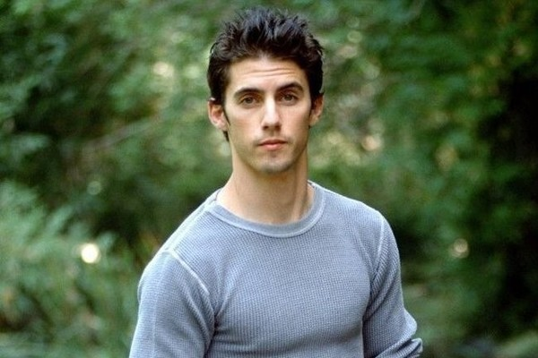 These Shirtless Milo Ventimiglia Photos Will Take You Back to the     These Shirtless Milo Ventimiglia Photos Will Take You Back to the  90s