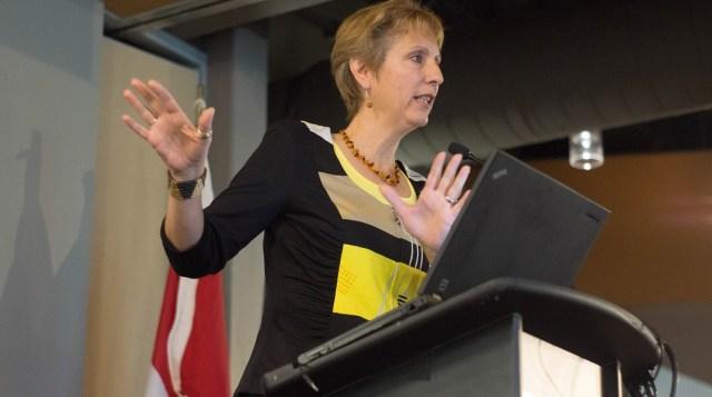 La députée néo-démocrate, France Gélinas, a livré un discours très politique, le samedi 29 octobre, à Sudbury, lors du rassemblement de l'AFO.