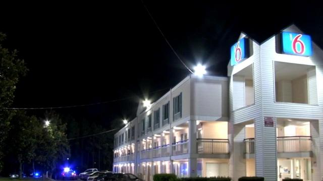 man charged in shooting at motel 6 off