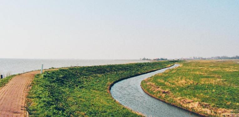 Drumul catre far (poza facuta in 2007)